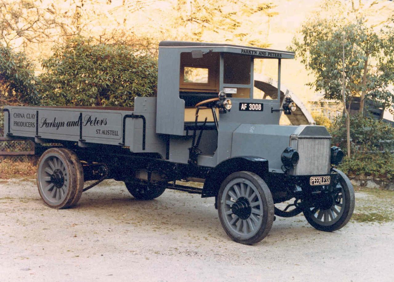 1916 Peerless lorry