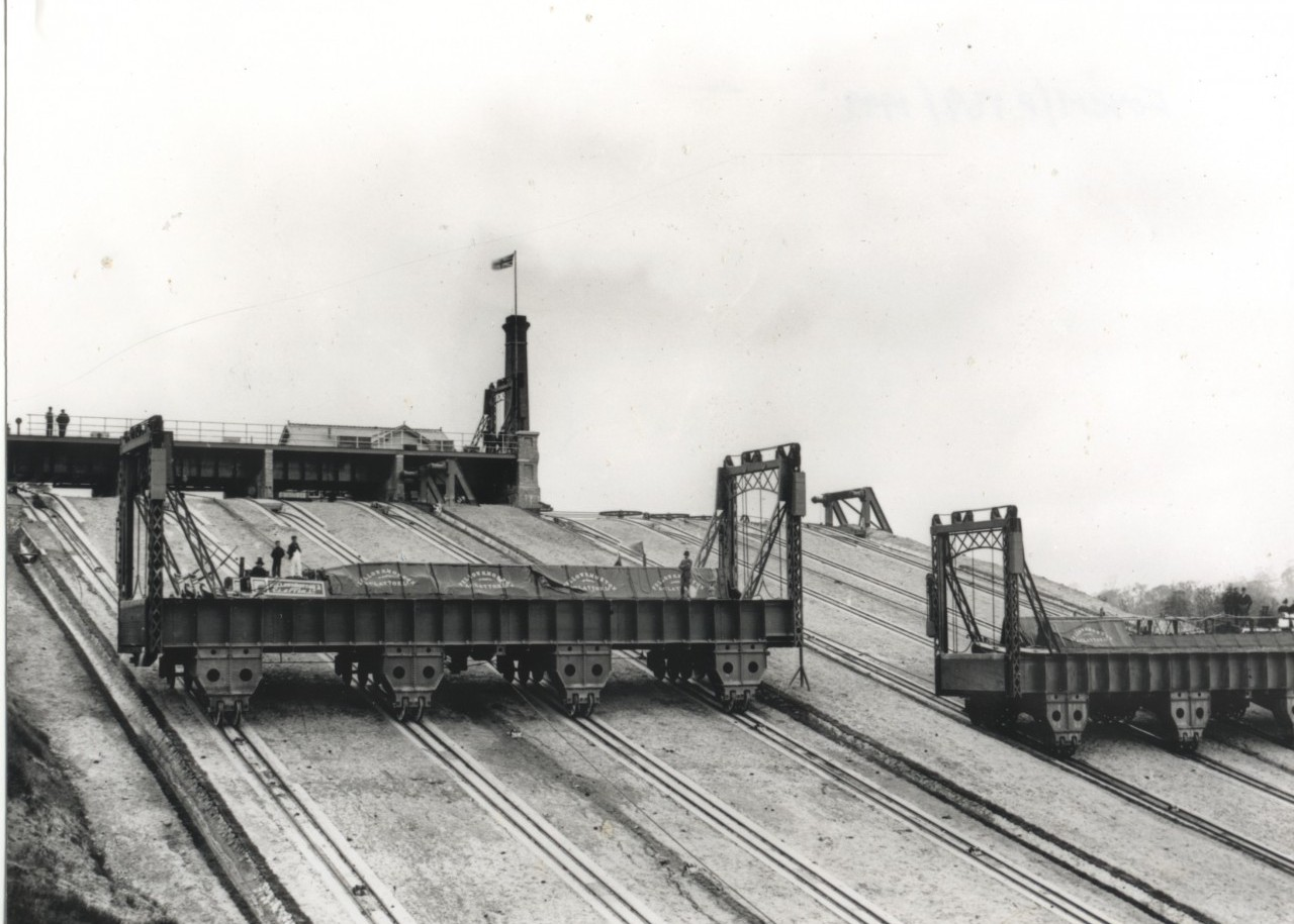 The Barge lift in 1900