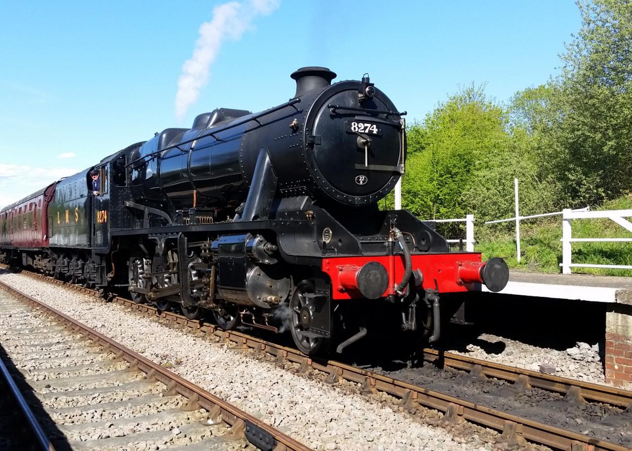 8F - 8274 at Rushcliffe Halt