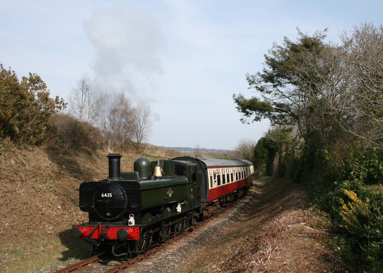 GWR 0-6-0PT No 6435 at Quarry Curve, the highest point on the line.