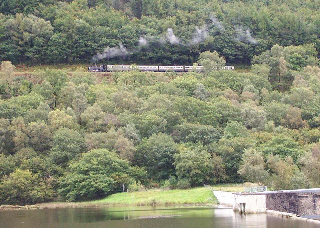 Little train in big scenery!