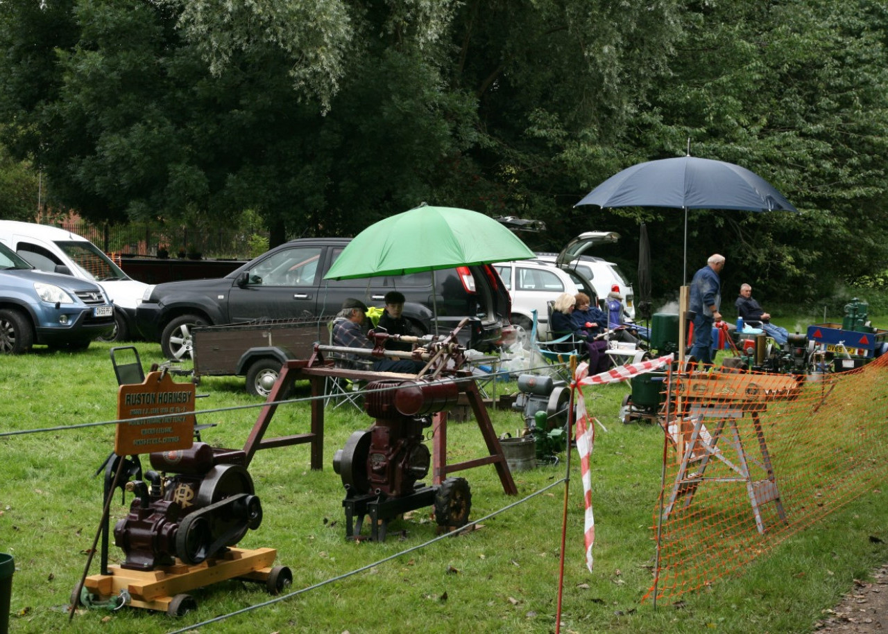 Stationary Engine Rally by the Caldon canal