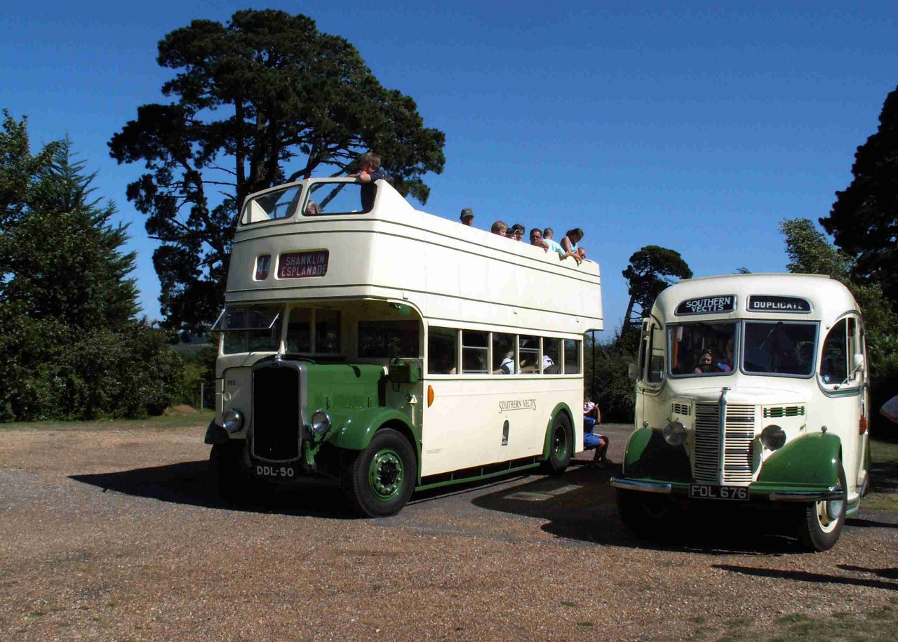 1940 Bristol K DDL50 ex SV 703 with 1950 Bedford OB FDL 676 ex SV 216 at Wootton Station.
