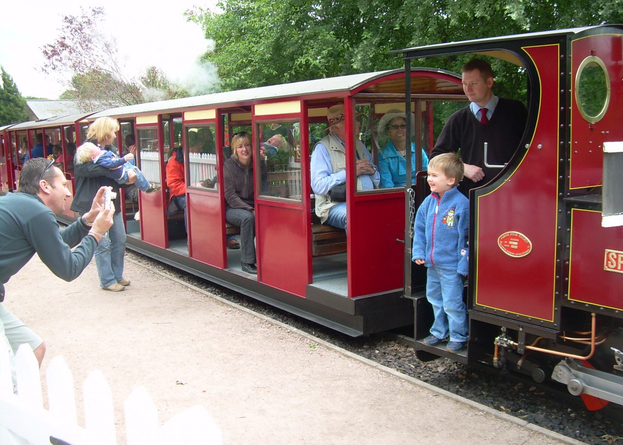 Things to do for children at Perrygrove Steam Train