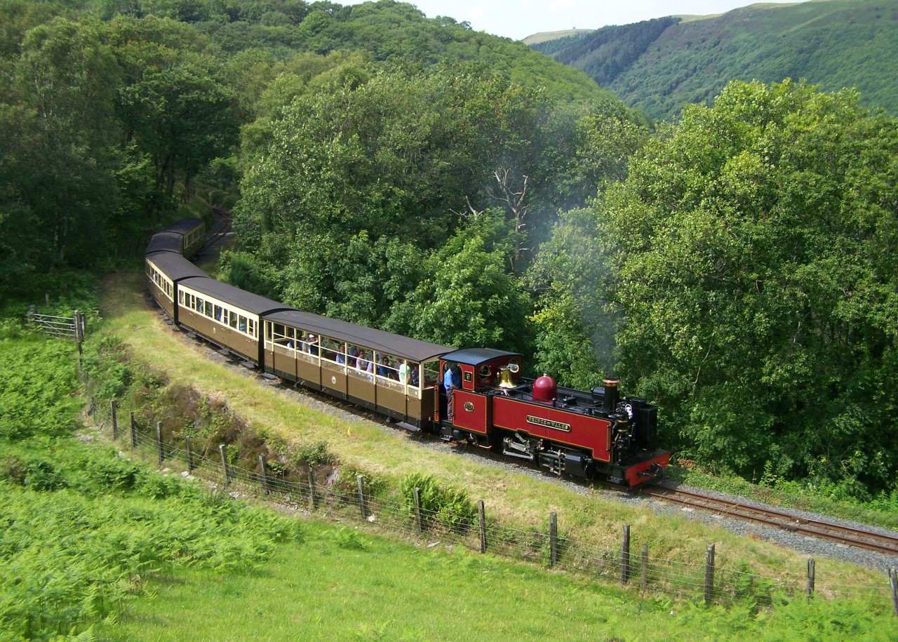 Prince of Wales heads for Devil's Bridge