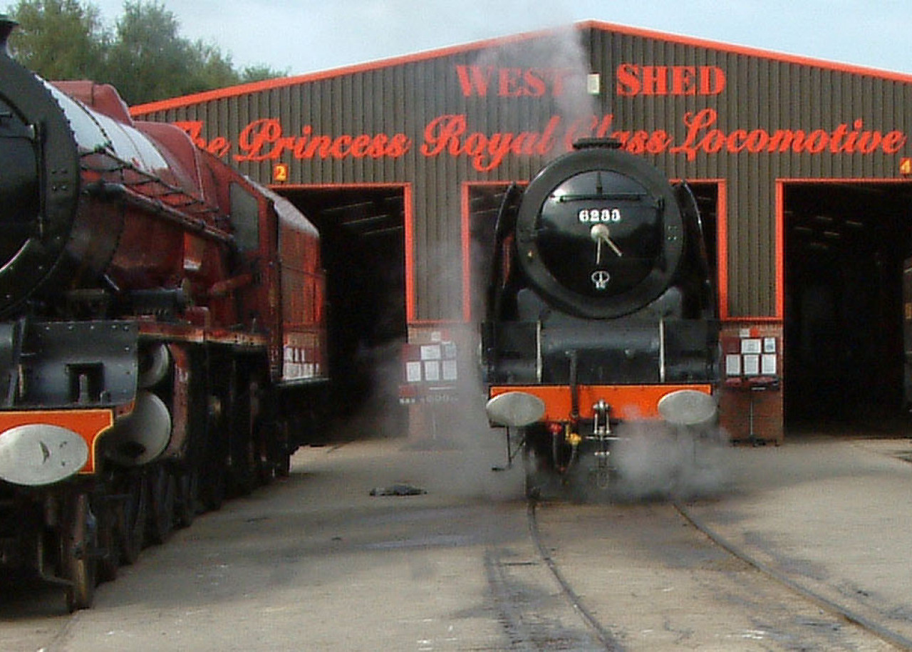 West_Shed_2004_with_locos_-_cropped_v3.jpg
