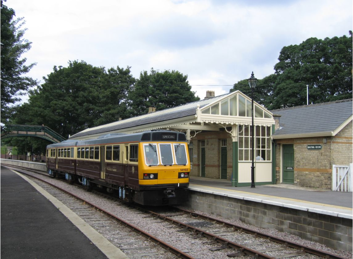 Class 141 DMU waits in Stanhope Station