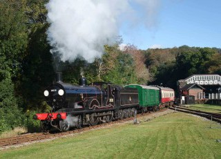 30120_-_leaving_Bodmin_Parkway_-_photo_charter_-_22_Oct_10_(Martin_Creese_061a).jpg