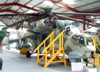 THE_HELICOPTER_MUSEUMS_RUSSIAN_HIND_GUNSHIP.jpg