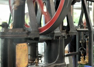 Waterworks_Museum_Hereford_-_Hot_Air_Engine1.jpg