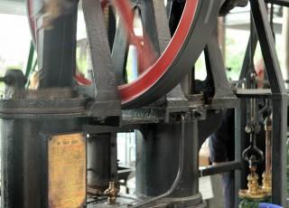 Waterworks_Museum_Hereford_-_Hot_Air_Engine1.jpg