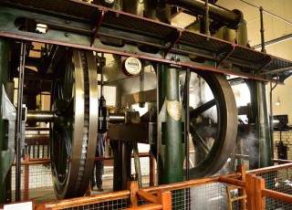 Waterworks_Museum_Hereford_-_Triple_Expansion_Steam_Engine1.jpg