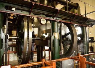 Waterworks_Museum_Hereford_-_Triple_Expansion_Steam_Engine1.jpg