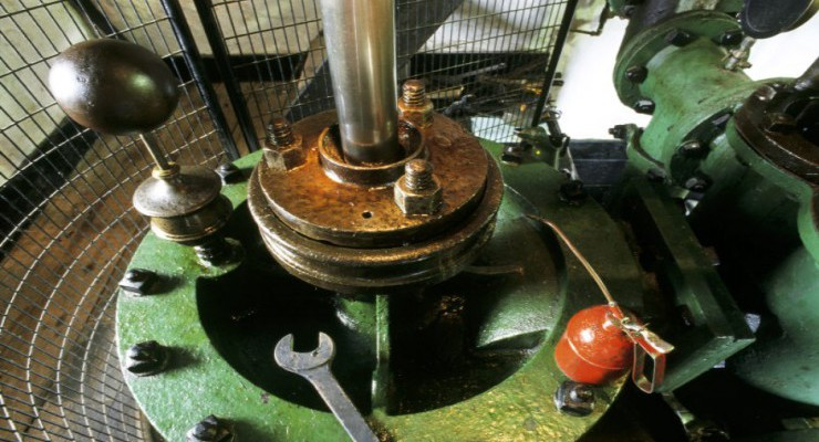Cylinder head and piston rod of the 1840 Levant winding engine