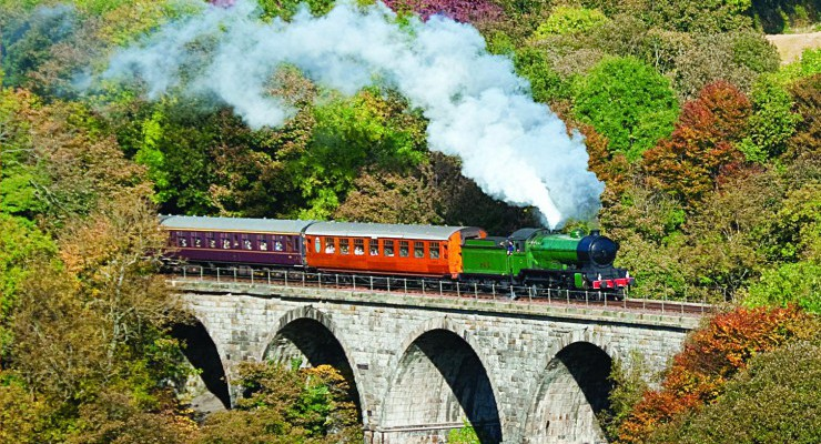 'Morayshire' crossing the Avon Viaduct, Bo'ness & Kinneil Railway (Photo by Peter Backhouse)
