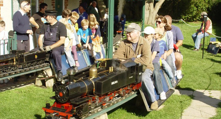 Field Place Miniature Railway