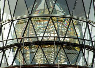 sumburgh-lighthouse-lens.jpg