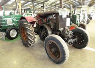 wilkies-wandering-newark-tractor-show.jpg
